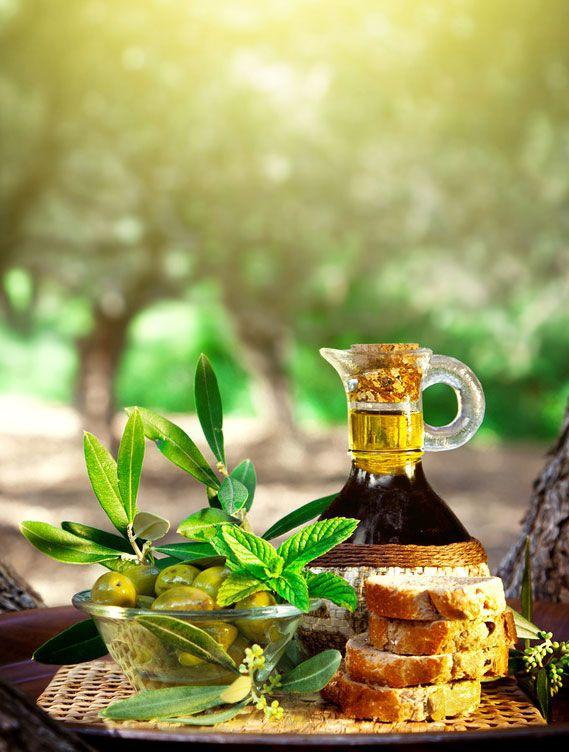 Degustazione di prodotti tipici propri, provviste, salumi, olio extravergine d'oliva e marmellate